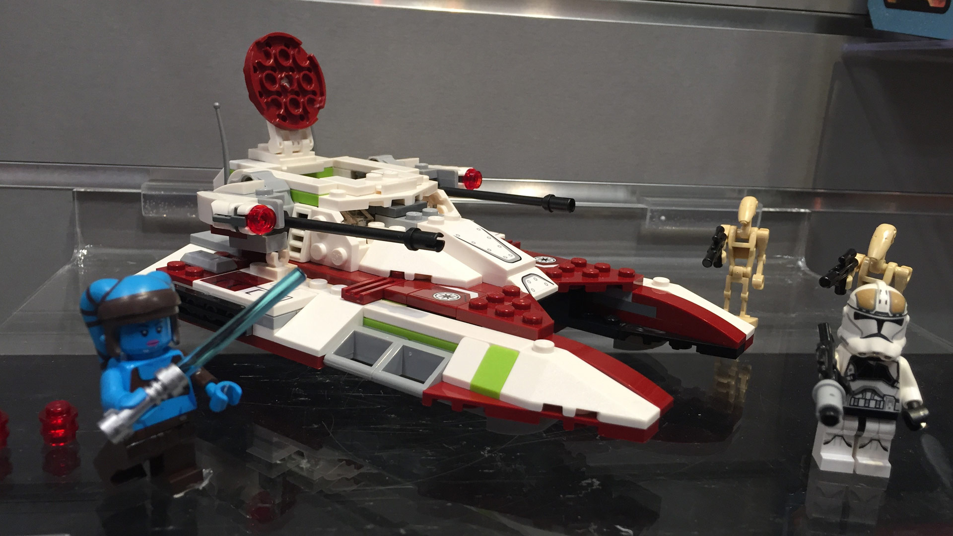 LEGO Star Wars Set 75182 Republic Fighter Tank at Toy Fair 2017